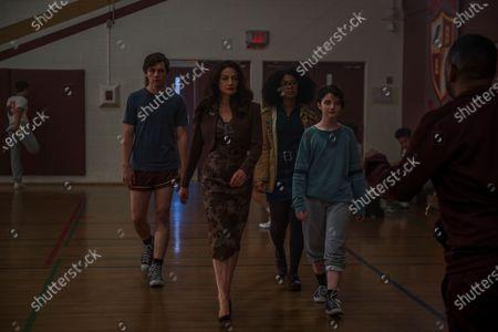 Ross Lynch as Harvey Kinkle, Michelle Gomez as Mary Wardwell, Jaz Sinclair as Rosalind Walker and Lachlan Watson as Susie Putnam/Theo Putnam