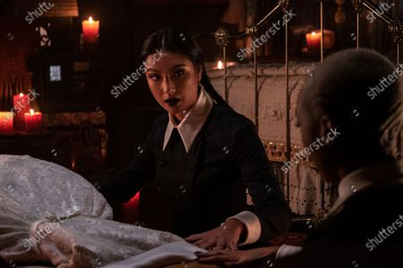 Adeline Rudolph as Agatha and Tati Gabrielle as Prudence Night