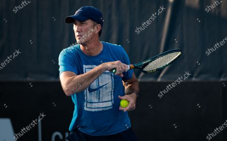 Darren Cahill during practice at the 2020 Adelaide International WTA Premier tennis tournament