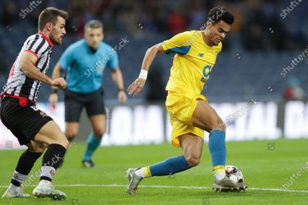 FC Porto's Luis Diaz (R) in action against Varzim's Joao Amorim during their Portuguese Cup soccer match at Dragao stadium, Porto, Portugal, 14 January 2020.