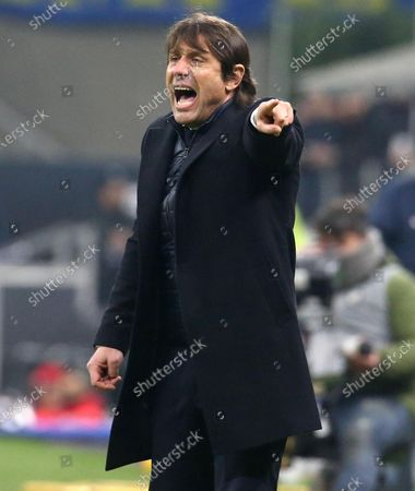 Inter's coach Antonio Conte reacts during the Italy Cup round of 16 soccer match FC Inter vs Cagliari Calcio at the Giuseppe Meazza stadium in Milan, Italy, 14 January 2020.