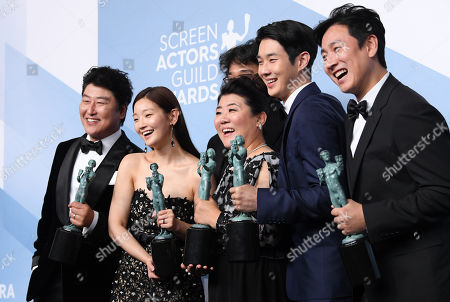 Stock Picture of Kang-Ho Song, Bong Joon-Ho, Park So-dam, Jeong-eun Lee, Lee Sun-kyun and Choi Woo-shik - Outstanding Performance by a Cast in a Motion Picture - Parasite