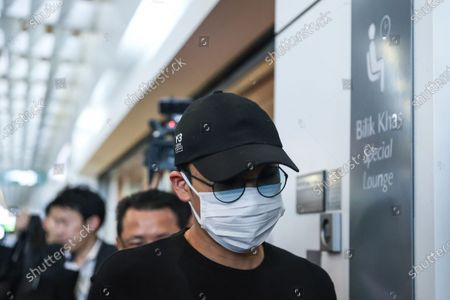 World number one badminton player, Kento Momota of Japan arrives at Kuala Lumpur International Airport (KLIA) as he waits his flight to Japan, in Sepang, Malaysia, 15 January 2020. According to media reports, world number one badminton player,  Kento Momota, suffered a broken nose and received stitches in his lips following a deadly crash between a van and a truck in Kuala Lumpur on 13 January.
