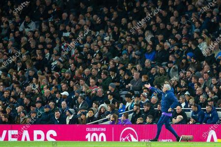 Tottenham Hotspur Manager Jose Mourinho shouts instuctions
