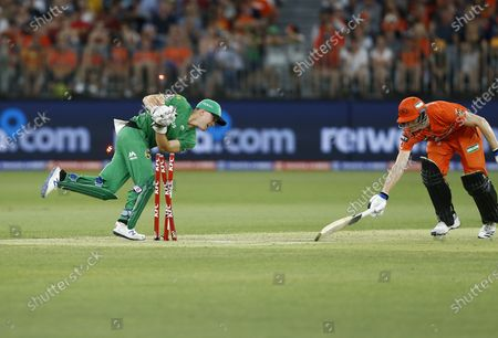 Cameron Bancroft of the Perth Scorchers is run out by Sebastion Goth of the Melbourne Stars