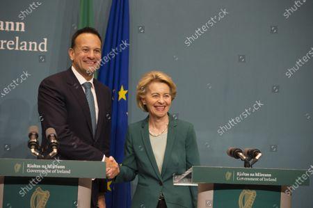 Irish prime minister An Taoiseach Leo Varadkar and EU Commission President Ursula von der Leyen shake hands at a press conference in Dublin, Ireland, 15 January 2020.