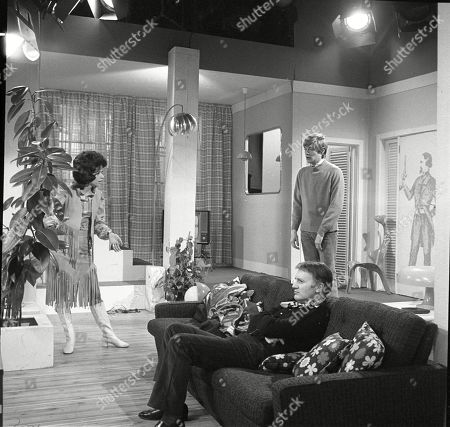 Susan Carpenter as Alicia Allenby-Johnson, Donald Morley as Ken and Simon Ward as Ted Allenby-Johnson