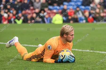 19th January 2020, Turf Moor, Burnley, England; Premier League, Burnley v Leicester City : Kasper Schmeichel (1) of Leicester City makes an easy stop Credit: Mark Cosgrove/News Images