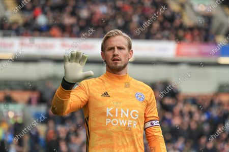 19th January 2020, Turf Moor, Burnley, England; Premier League, Burnley v Leicester City : Kasper Schmeichel (1) of Leicester City during the gameCredit: Mark Cosgrove/News Images