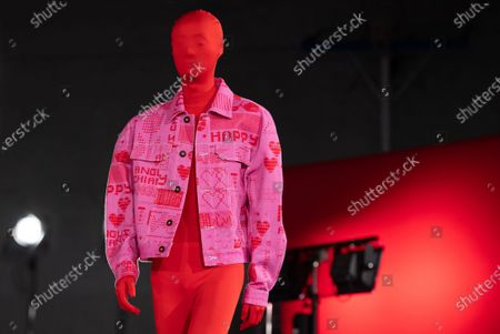A model presents a creation from the Fall/Winter 2020/2021 Men's collection by Taiwanese designer Angus Chiang during the Paris Fashion Week, in Paris, France, 16 January 2020. The presentation of the men's collections runs from 14 to 19 January.