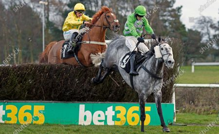 BALGEMMOIS (yellow, James Bowen) catches TWO HOOTS (right) to win The Racing TV Handicap Chase Market Rasen