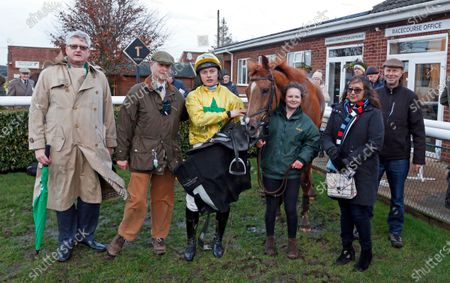 BALGEMMOIS (James Bowen) and owners after The Racing TV Handicap Chase Market Rasen