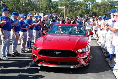 Mike Piazza, Alicia Piazza. Former New York Mets catcher Mike Piazza and his wife Alicia wave as they drive down newly named Piazza Dr., after a ceremony in front of the Mets spring training facility, in Port St. Lucie, Fla