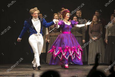 Ian Hughes (Thenardier) and Josefina Gabrielle (Madame Thenardier) during the curtain call