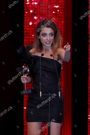 Spanish TV series Vida Perfecta (Perfect Life)'s Director, screenwriter and cast member Leticia Dolera delivers a speech after winning the Feroz Award to Best Comedy Series during after the 2020 Premios Feroz (Feroz Awards) ceremony at the Teatro Auditorio Ciudad de Alcobendas in Madrid, Spain, 16 January 2020 (issued 17 January 2020).