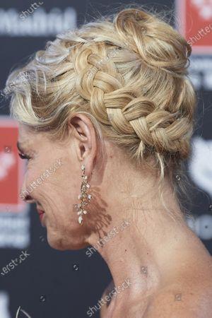 Belen Rueda, jewellery detail, hair detail