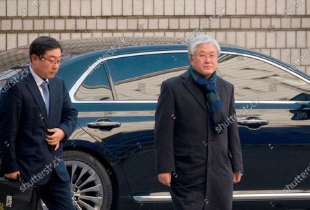Stock Photo of Park Sang-Jin (R), former president of Samsung Electronics arrives at the Seoul High Court
