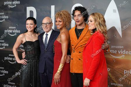 Isa Briones, British actor Sir Patrick Stewart, US actress Michelle Hurd, Australian actor Evan Evagora and US actress Jeri Ryan pose during the 'Star Trek: Picard' fan screening at the Zoo Palast cinema in Berlin, Germany, 17 January 2020.