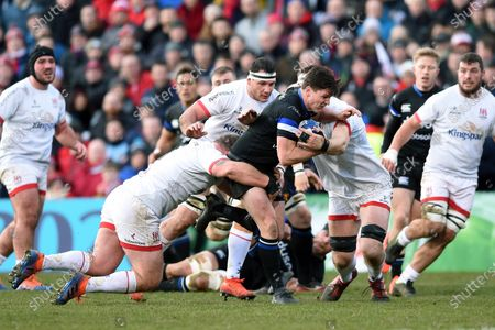 Freddie Burns of Bath Rugby takes on the Ulster defence