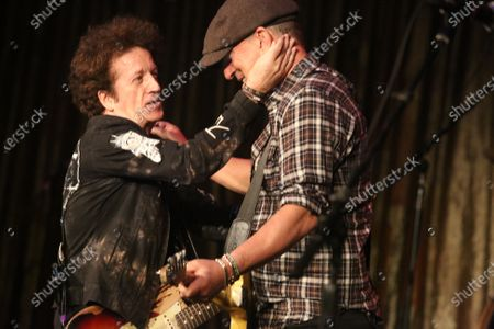 Stock Picture of Willie Nile and Bruce Springsteen