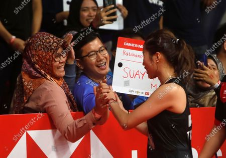 Ratchanok Intanon of Thailand greets by her spectators  after defeating Carolina Marin of Spain  (unseen)  during their  women single's final  match at the Daihatsu Indonesian Masters badminston tournament in Jakarta, Indonesia 19 January 2020
