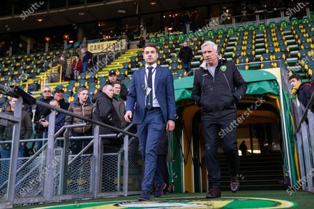 Alan Pardew, head coach (L) and press officer Koen Jans of ADO The Hague, prior the Dutch Eredivisie match between ADO The Hague and RKC Waalwijk at Cars Jeans stadium on January 19, 2020 in The Hague, The Netherlands.