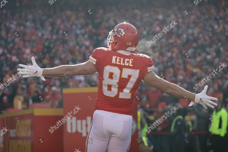 Kansas City Chiefs tight end Travis Kelce (87) before the NFL AFC Championship football game against the Tennessee Titans, in Kansas City, MO