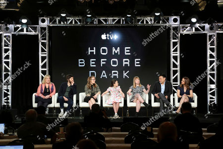 "Joy Gorman Wettels, Jim Sturgess, Dana Fox, Brooklyn Prince, Hilde Lysiak, Jon M. Chu, Dara Resnik. Joy Gorman Wettels, from left, Jim Sturgess, Dana Fox, Brooklyn Prince, Hilde Lysiak, Jon M. Chu and Dara Resnik speak at the ""Home Before Dark"" panel during the Apple+ TCA 2020 Winter Press Tour at the Langham Huntington, in Pasadena, Calif"