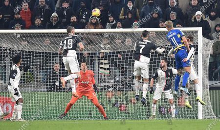 Parma's Andreas Cornelius (R) scores a goal  during the Italian Serie A soccer match Juventus FC vs Parma Calcio 1913 at the Allianz Stadium in Turin, Italy, 19 January 2020.
