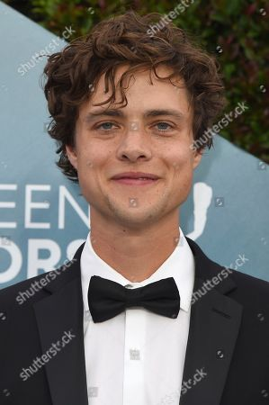 Douglas Smith arrives at the 26th annual Screen Actors Guild Awards at the Shrine Auditorium & Expo Hall, in Los Angeles