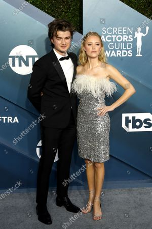 oe Keery and Maika Monroe arrive for the 26th annual Screen Actors Guild Awards ceremony at the Shrine Auditorium in Los Angeles, California, USA, 19 January 2020.
