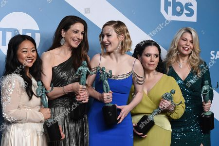 """Stephanie Hsu, Marin Hinkle, Rachel Brosnahan, Alex Borstein, Matilda Szydagis. Stephanie Hsu, from left, Marin Hinkle, Rachel Brosnahan, Alex Borstein, and Matilda Szydagis pose in the press room with their awards for outstanding performance by an ensemble in a comedy series for """"The Marvelous Mrs. Maisel"""" at the 26th annual Screen Actors Guild Awards at the Shrine Auditorium & Expo Hall, in Los Angeles"""