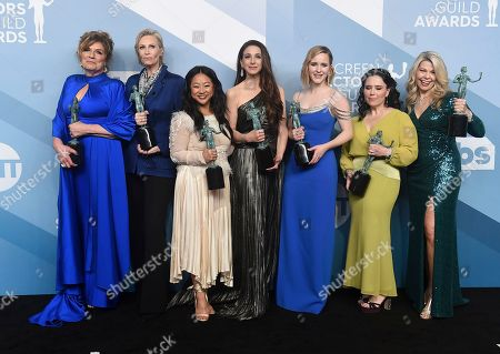 """Caroline Aaron, Jane Lynch, Stephanie Hsu, Marin Hinkle, Rachel Brosnahan, Alex Borstein, Matilda Szydagis. Caroline Aaron, from left, Jane Lynch, Stephanie Hsu, Marin Hinkle, Rachel Brosnahan, Alex Borstein, and Matilda Szydagis pose in the press room with the award for outstanding performance by an ensemble in a comedy series for """"The Marvelous Mrs. Maisel"""" at the 26th annual Screen Actors Guild Awards at the Shrine Auditorium & Expo Hall, in Los Angeles"""