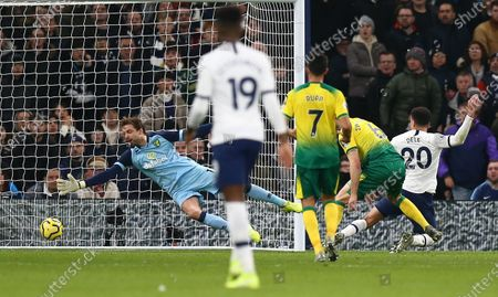 Dele Alli of Tottenham Hotspur scores the opening goal