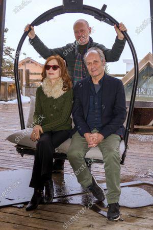 Isabelle Huppert and Hippolyte Girardot attends 'La daronne' photocall
