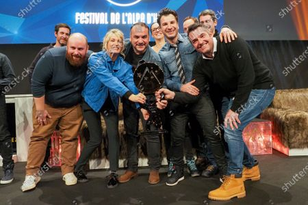 Marc Riso, Caroline Anglade, Francois-Xavier Demaison, Mickael Youn and Arnaud Ducret receiving the prize (Grand prix du festival) for the movie 'Divorce club'