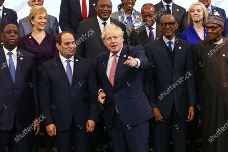 (L-R) Senegal's President Macky Sall, Egypt's President Abdel Fattah al-Sisi, British Prime Minister Boris Johnson, Rwanda's President Paul Kagame and Nigeria's President Muhammadu Buhari pose for a family photo with other leaders of African nations and UK politicians at the UK Africa Investment Summit in London, Britain, 20 January 2020.