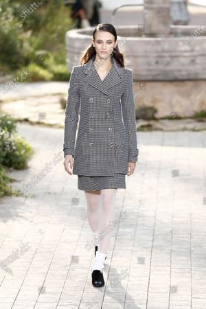Italian model Greta Varlese presents a creation from the Spring/Summer 2020 Haute Couture collection by French designer Virginie Viard for Chanel fashion house during the Paris Fashion Week, in Paris, France, 21 January 2020. The presentation of the Haute Couture collections runs from 20 to 23 January 2020.