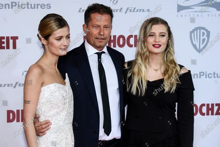Til Schweiger (C) poses with his daughters German actress Lilli Schweiger (L) and German actress Luna Schweiger (R) during the red carpet of the film premiere for 'Die Hochzeit' (lit.: The Wedding) at the Zoo Palast cinema in Berlin, Germany, 21 January 2020. The movie will be screened German cinemas from 23 January 2020.