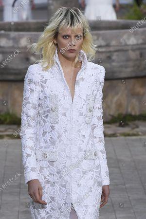 Marjan Jonkman  on Catwalk
