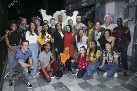 Bianca Del Rio (Hugo/Loco Chanelle), Preeya Kalidas (Miss Hedge), Hiba Elchikhe (Pritti Pasha), Melissa Jacques (Margaret), Noah Thomas (Jamie) and members of the company backstage