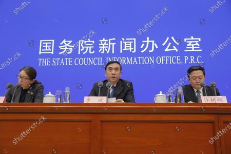 Li Bin (C), Vice minister of the National Health Commission, speaks about prevention and control of the new coronavirus-related pneumonia during a press conference held by the State Council Information Office, in Beijing, China, 22 January 2020. According to media reports, at least six people have died, and 300 people are confirmed infected by a new respiratory virus which was first detected in Wuhan, China. The virus, called the coronavirus, can be passed between humans and has spread to the USA, Thailand, South Korea, Japan and Taiwan.