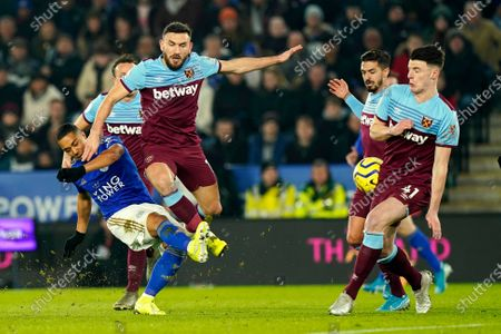 Leicester City's Youri Tielemans (L) in action against West Ham United players Robert Snodgrass (C) and Declan Rice (R) during the English Premier League soccer match between Leicester City and West Ham United at the King Power stadium in Leicester, Britain, 22 January 2020.