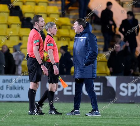 St Johnstone Manager Tommy Wright has words with Referee Euan Anderson after the match