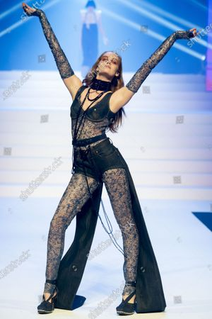 Alexina Graham on the catwalk