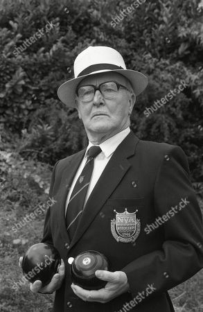Ep 3435 Wednesday 9th September 1992  Alf Roberts goes ever more worried about his bet as on the day of the bowls finals as Percy Sugden, as played by Bill Waddington, wins four consecutive matches.