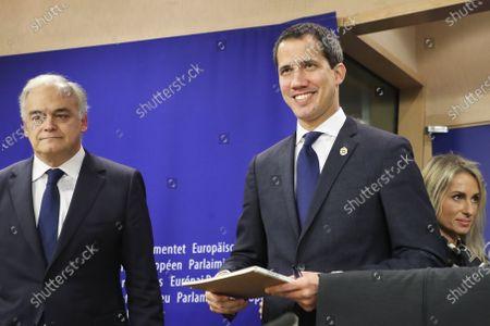 Esteban Gonzalez Pons, Juan Guaido
