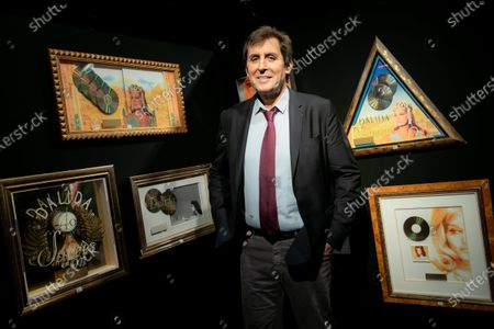 Max Guazzini, former president of Stade Francais is selling at auction two hundred gold discs from his personal collection. The profits will be donated to the Brigitte Bardot foundation.
