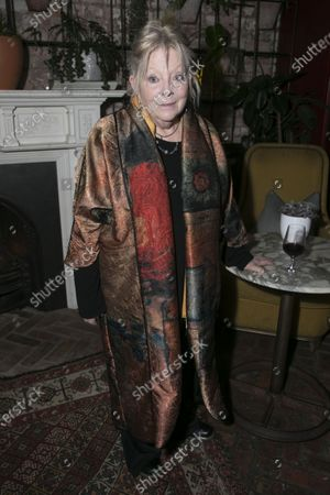 Anna Calder-Marshall (Nana)