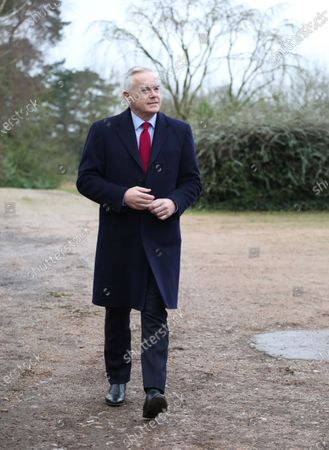 Huw Edwards is the guest speaker for Queen Elizabeth II on her annual visit. Unfortunately, Her Royal Higness was unable to attend the meeting after not feeling well.